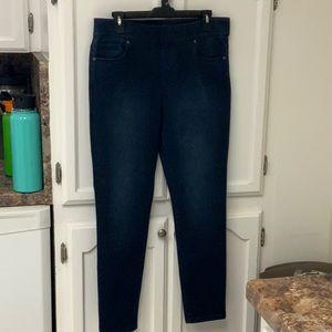 Gloria Vanderbilt size 12 petite Avery jeans